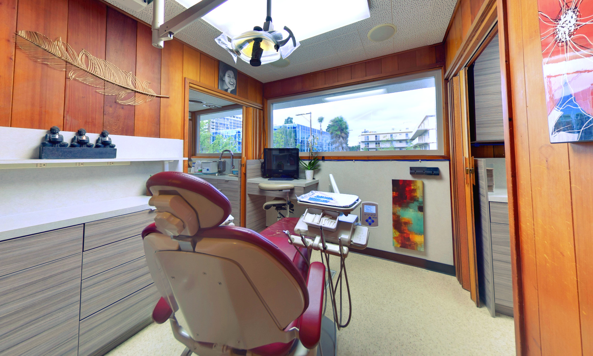 Photo in office showing the dental chair